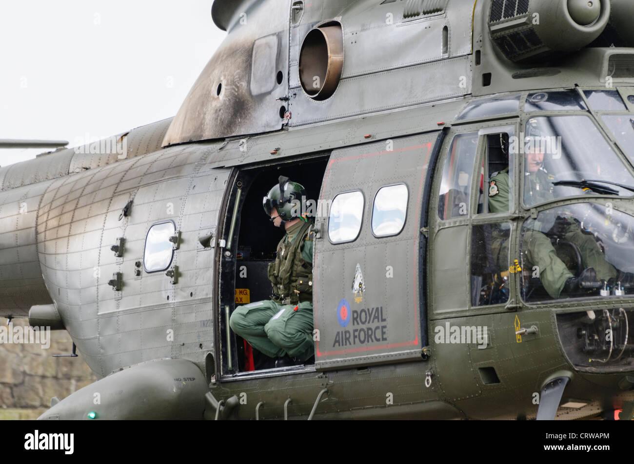 Doorman and pilot of a Royal Air Force Puma - Stock Image