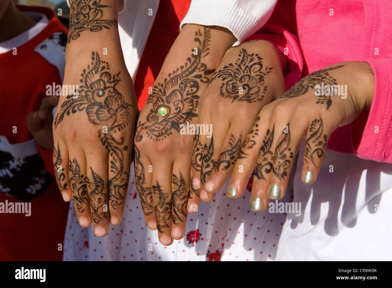 Hennaed Hands Of Young Girls Old City Sana A Amanat Al Asimah