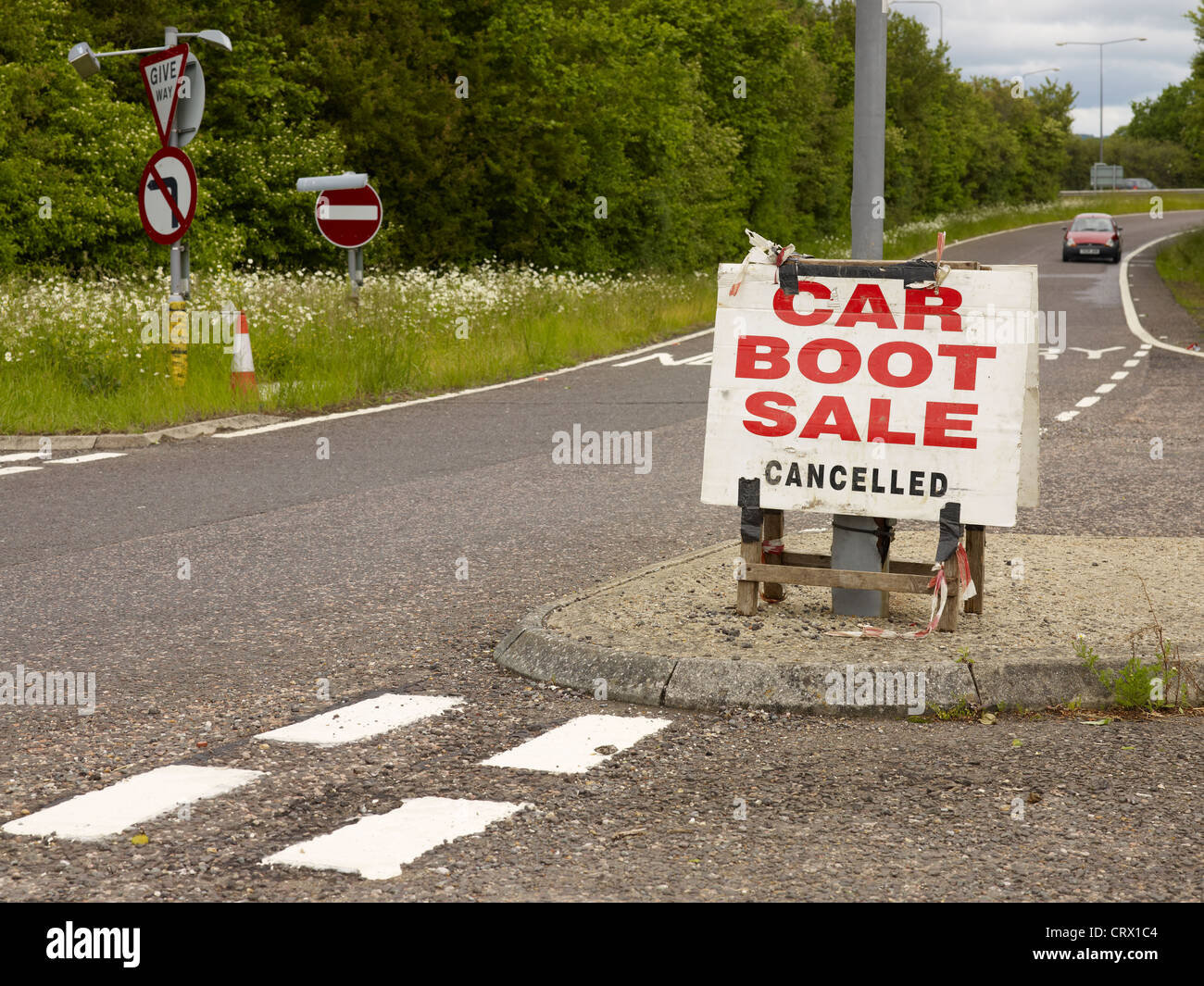 Car Boot sale Cancelled sign, by the side of the road - Stock Image