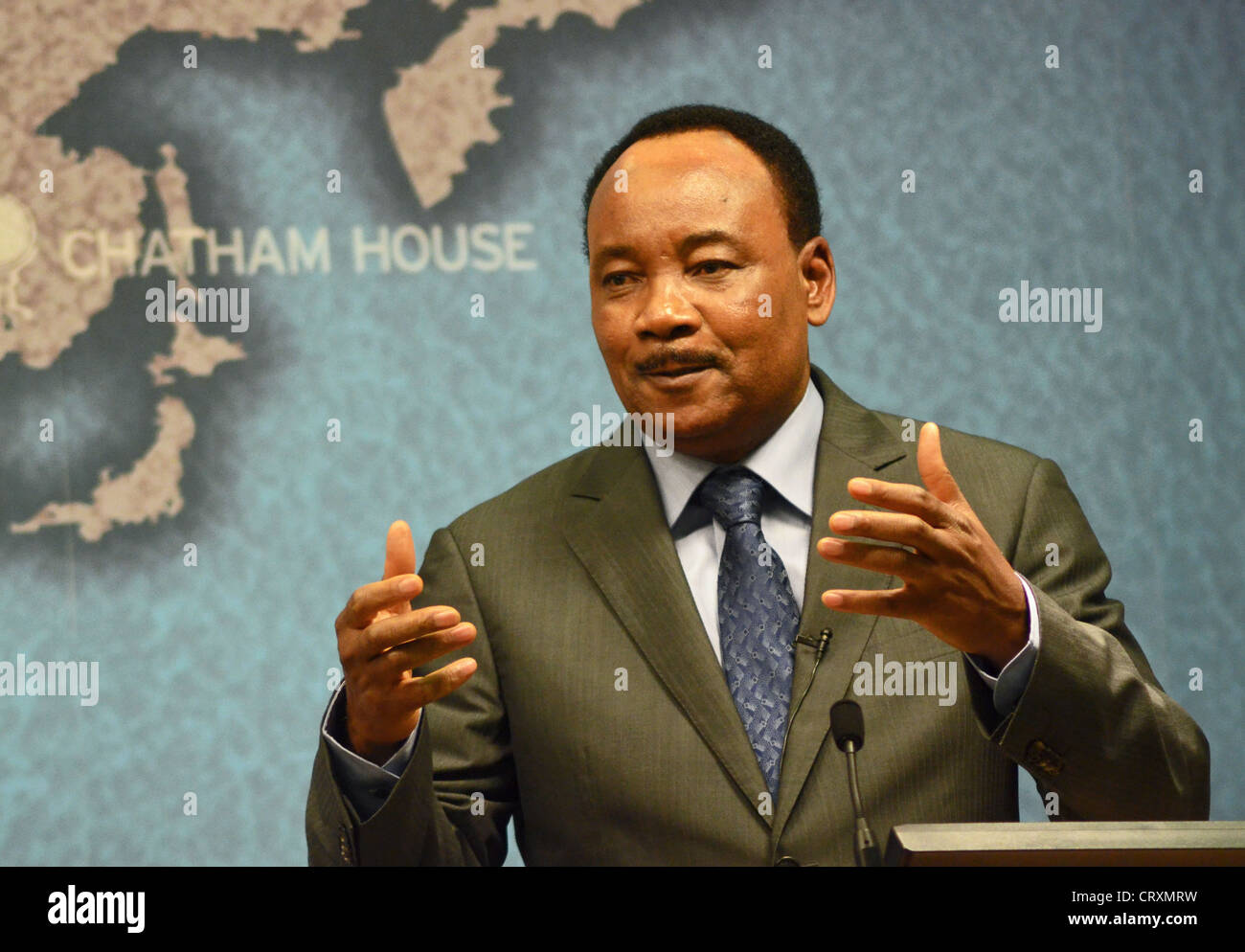 President of Niger Mahamadou Issoufou delivering a speech at Chatham House in London - Stock Image