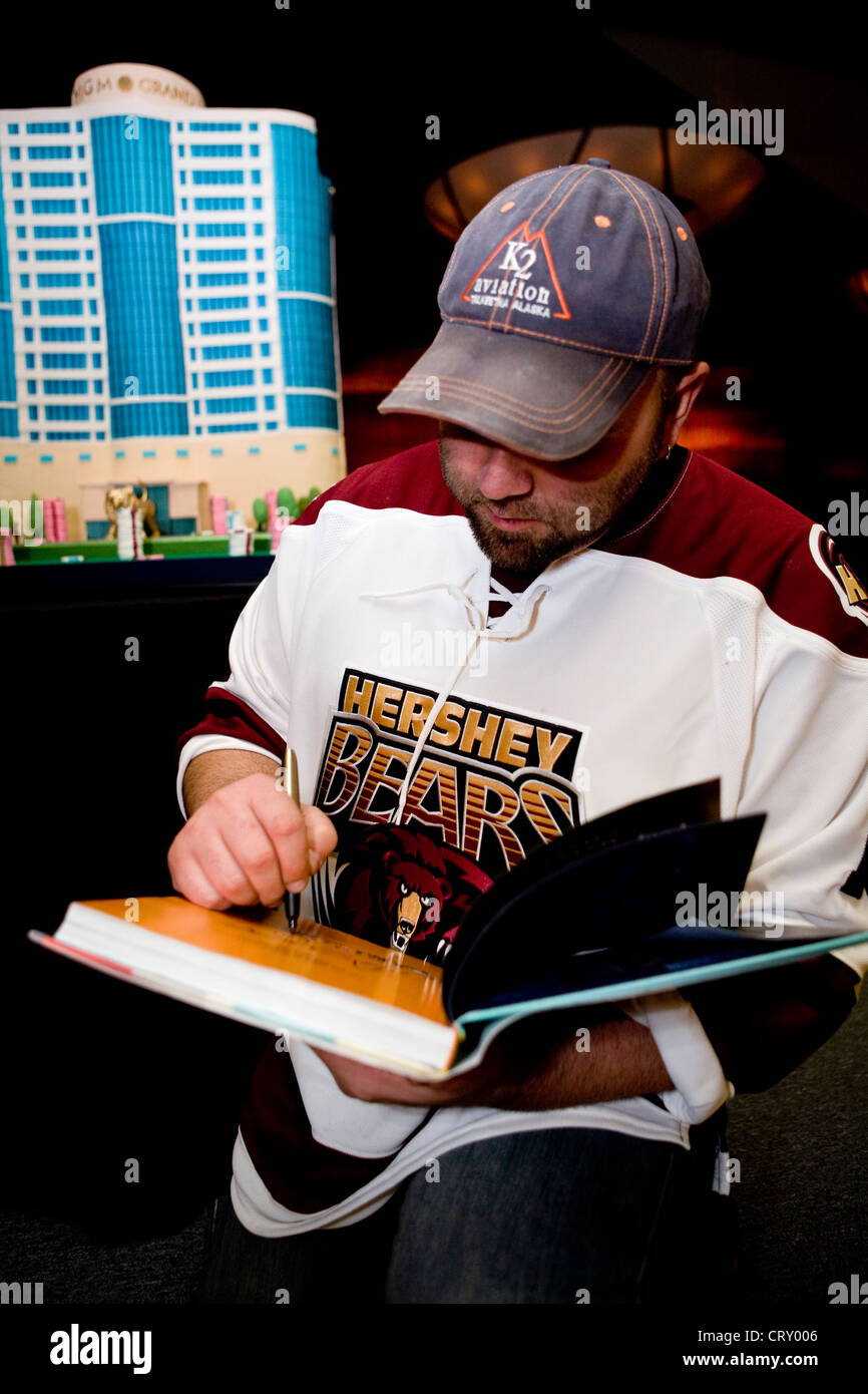 Duff Goldman signs autographs at the MGM at Foxwoods 2nd Anniversary bash. - Stock Image