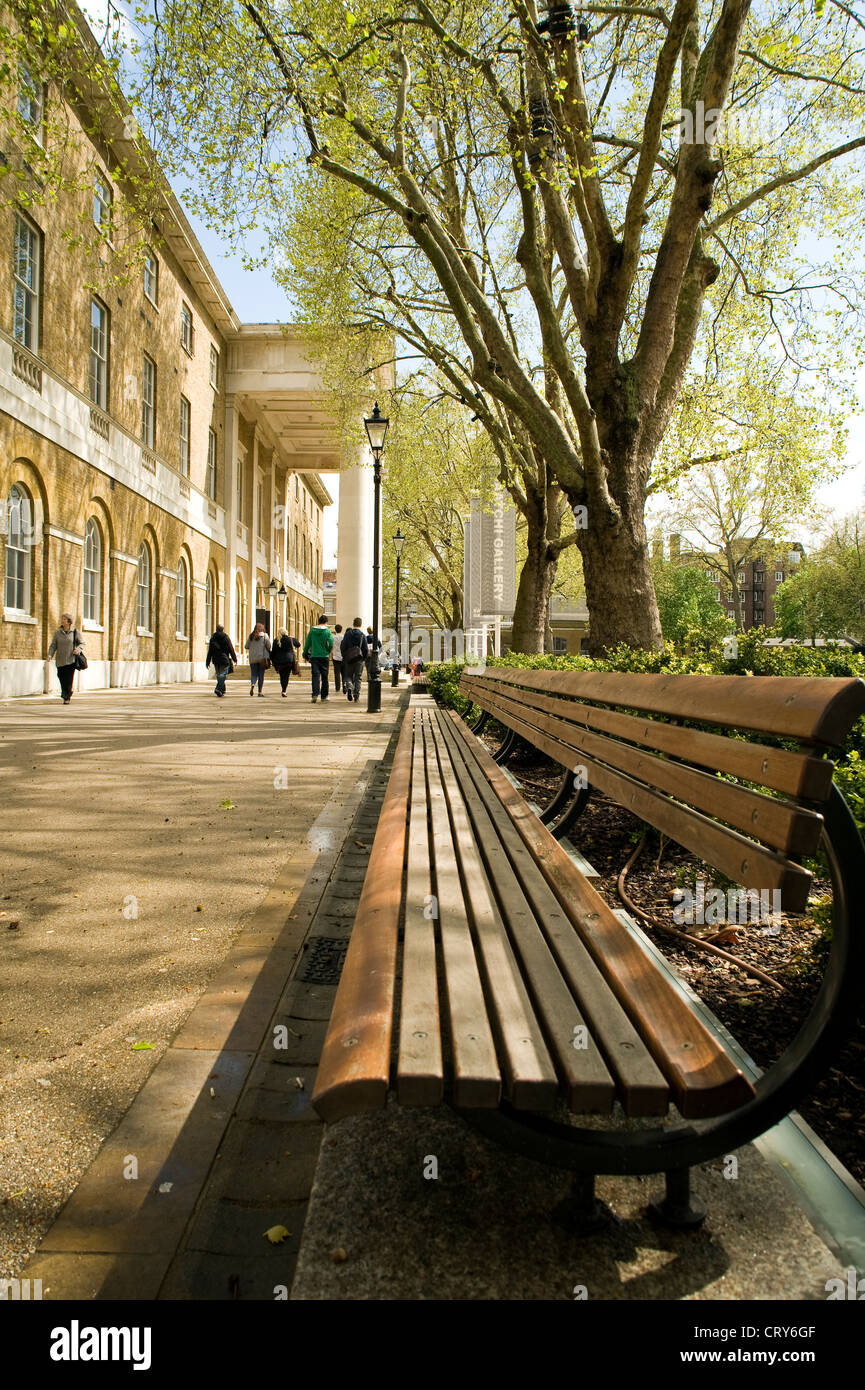 Students outside the Saatchi Gallery, London UK - Stock Image