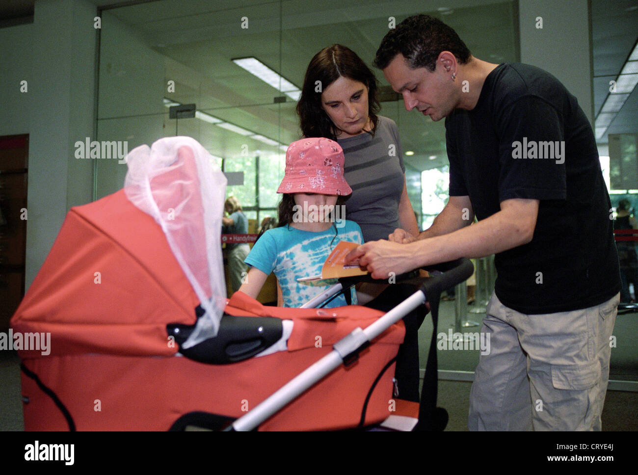 A family in America Memorial Library (T) Stock Photo