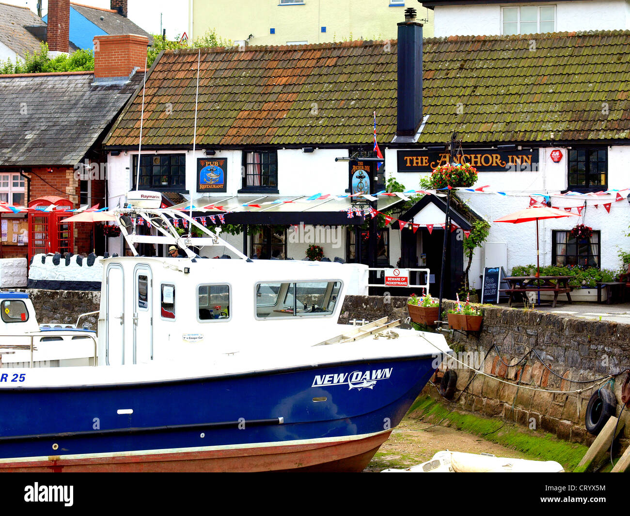 The Anchor Inn, Cockwood harbour - Stock Image