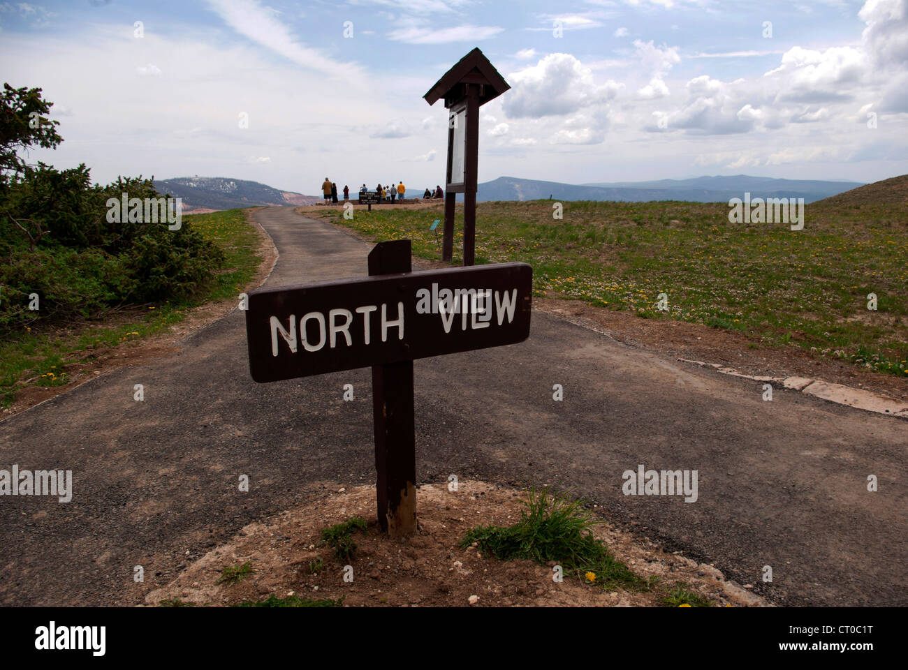 North View Overlook sign, visitors in background, Cedar Breaks National Monument - Stock Image
