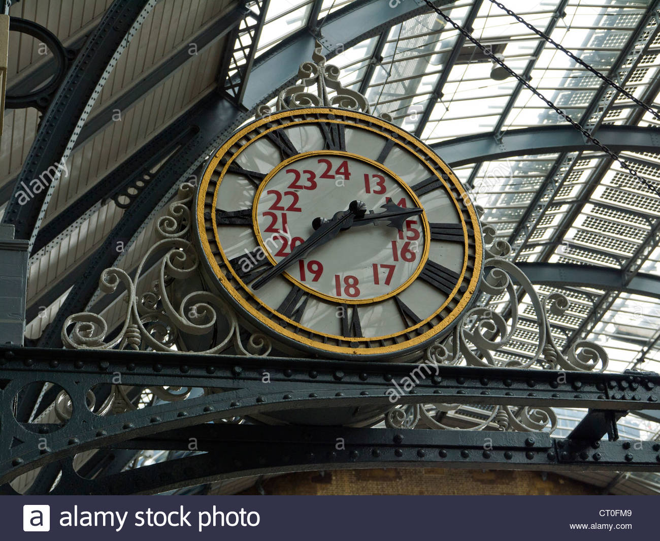Kings Cross Railway Station old analogue Clock London England UK - Stock Image