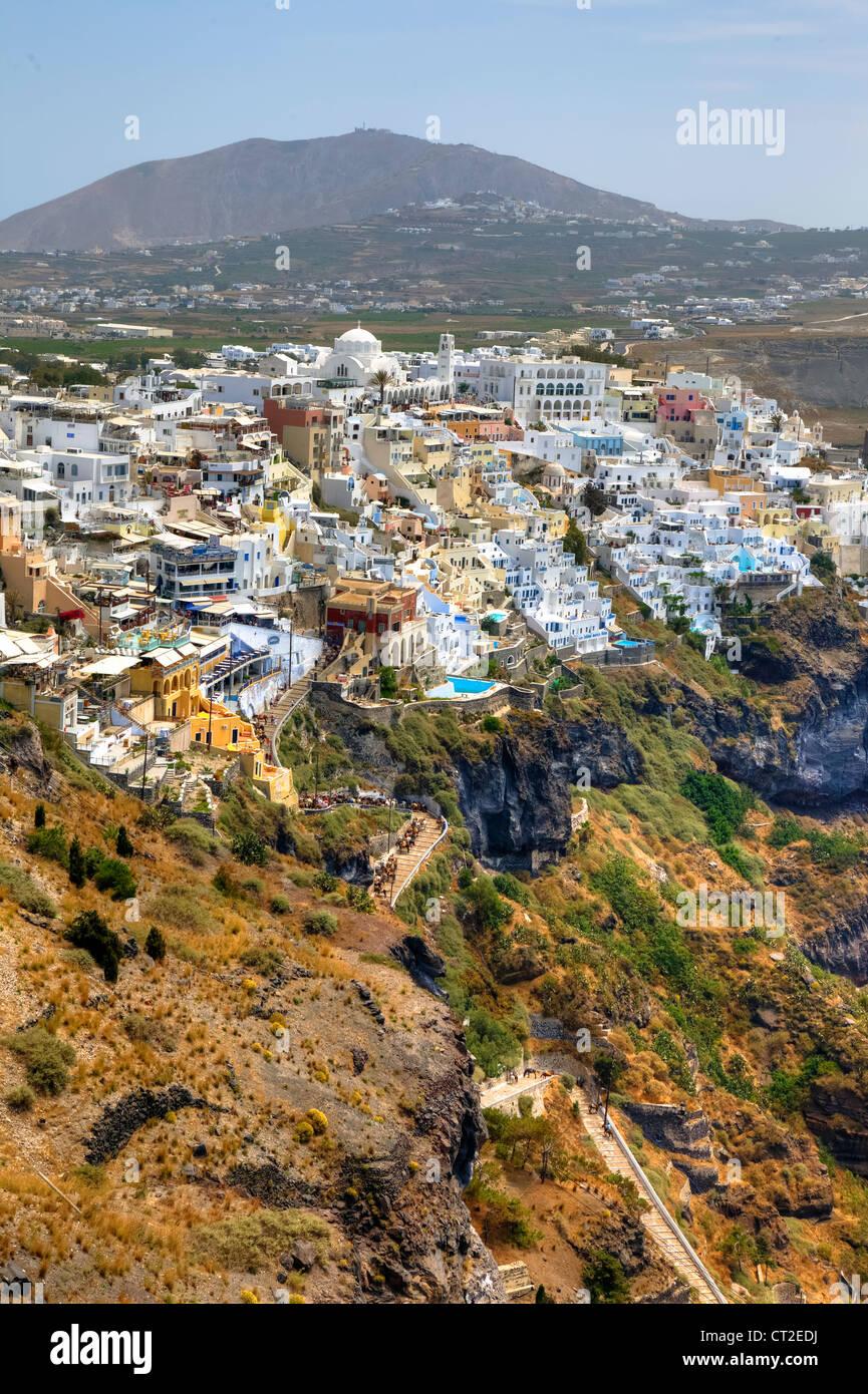 Blick auf Fira und den alten Hafen, Santorini, Griechenland - Stock Image