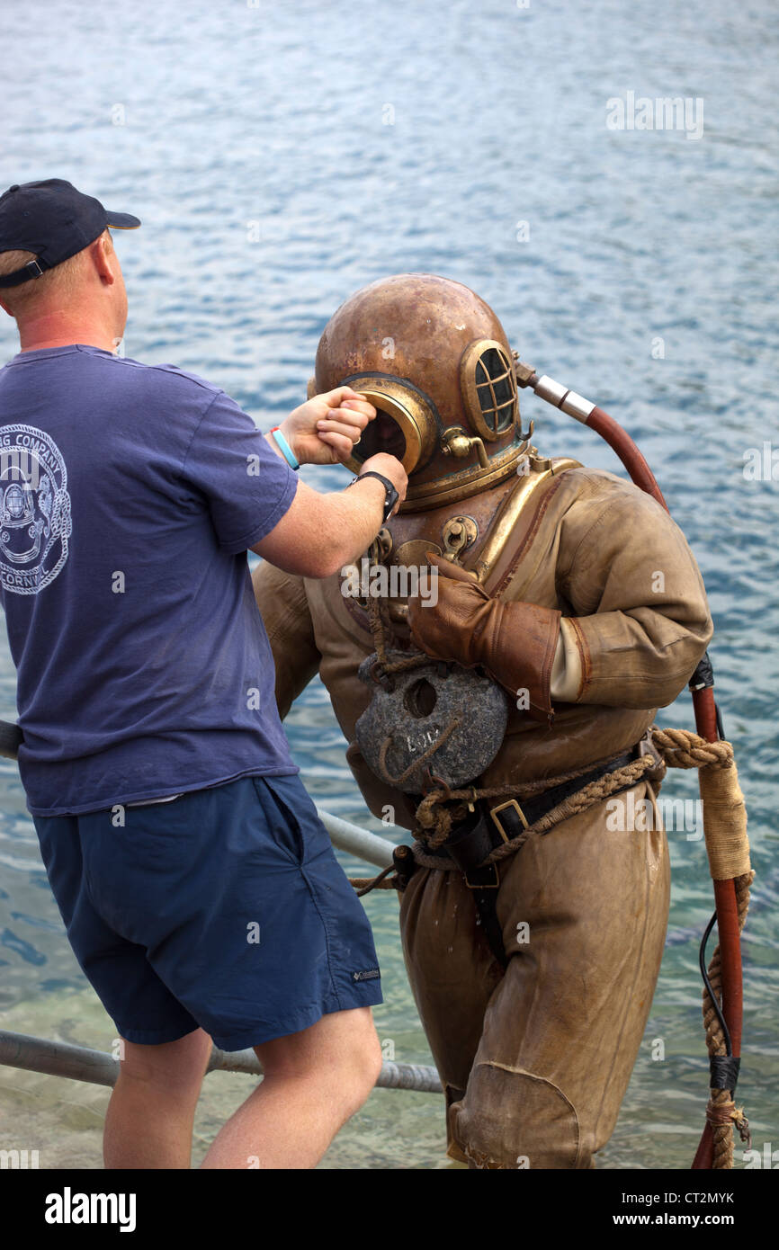 Deep Sea Diver in antiquated equipment in Mevagissey - Stock Image