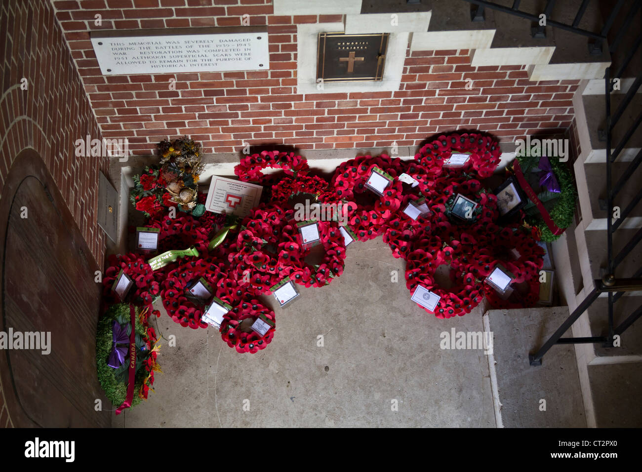 Poppy Wreaths at the Australian National Memorial, Villers-Bretonneux, Picardy, France - Stock Image