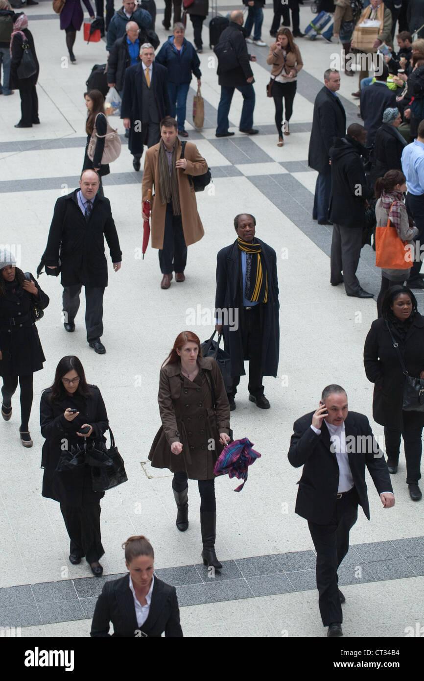 People (Homo sapiens). Arrival, departure concourse. Liverpool Street Rail Station. London. England. - Stock Image