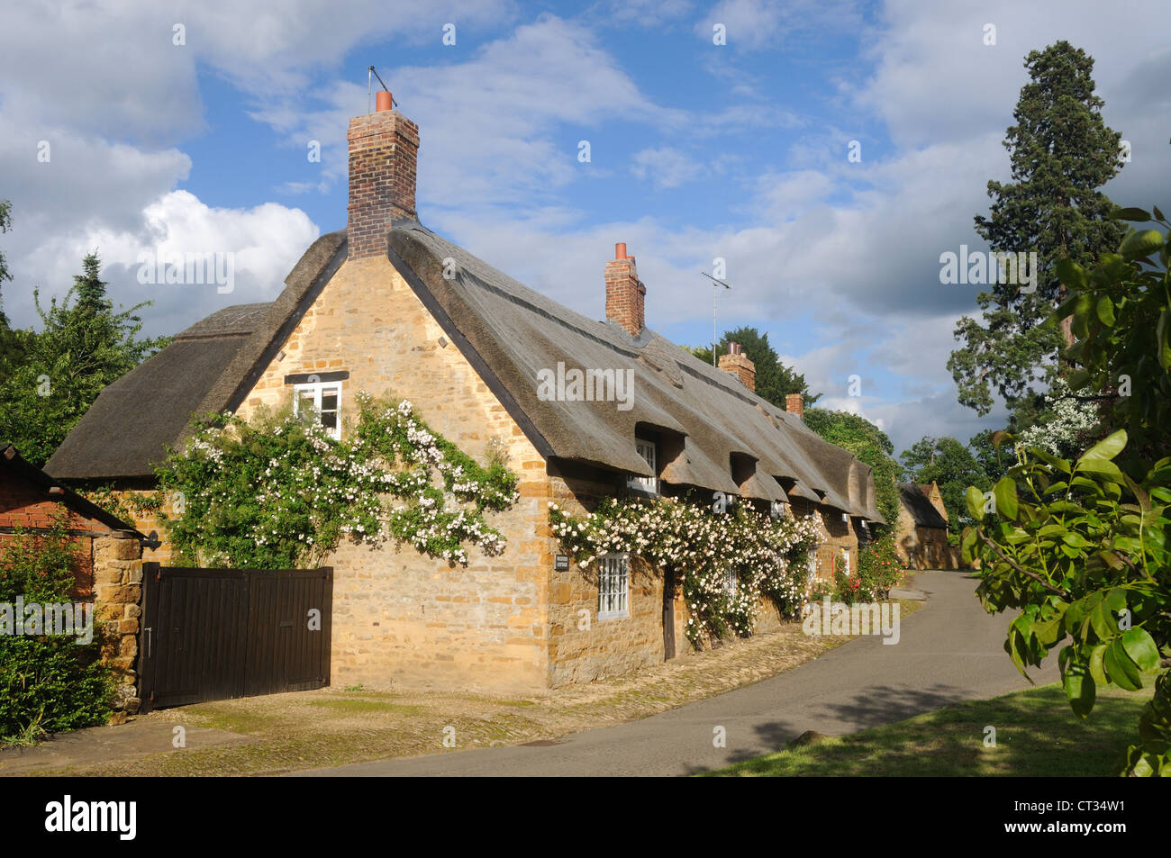Cottages in Brockhall, Northamptonshire, England - Stock Image