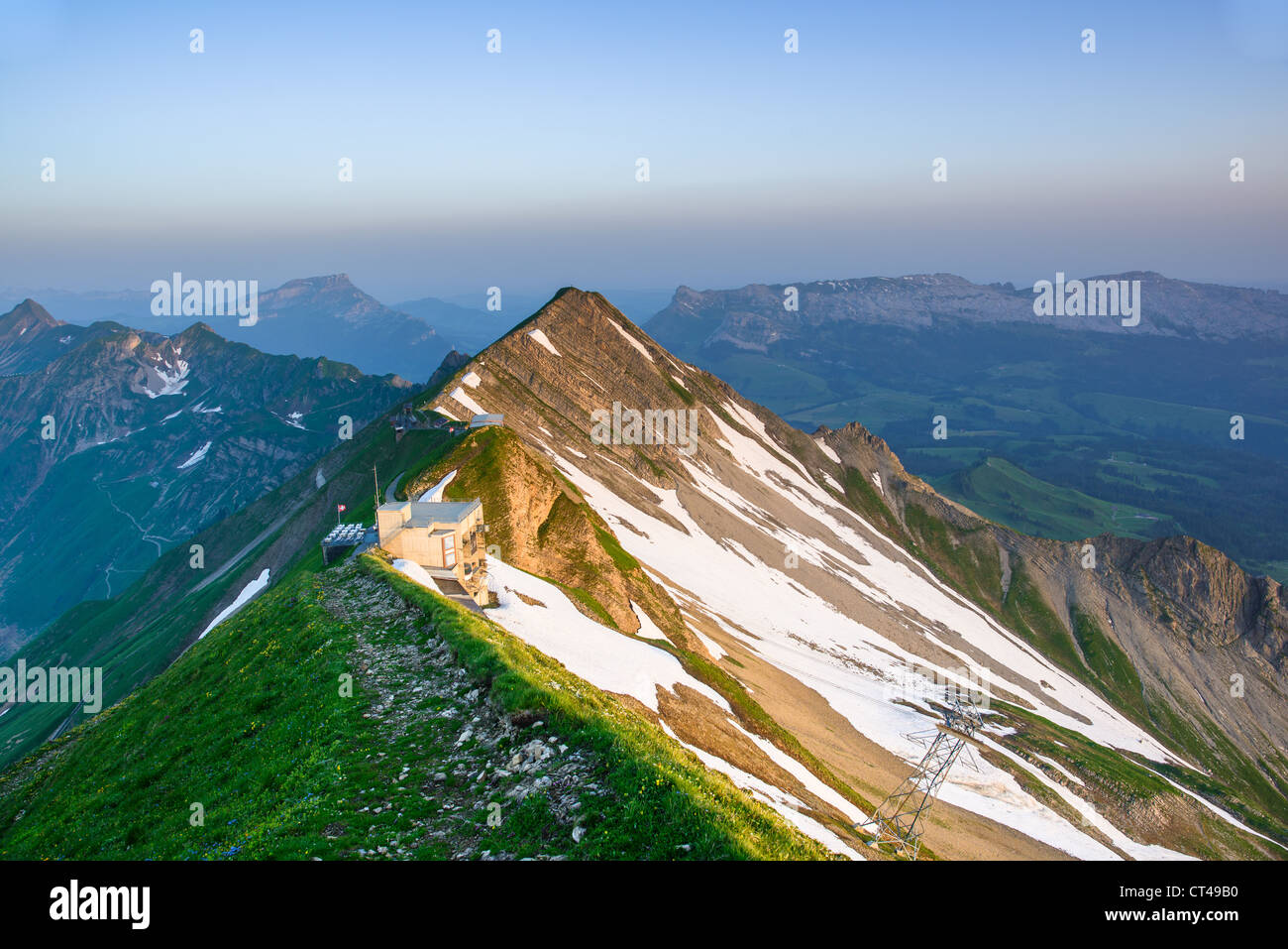 Panoramic view of mountain sunrise from Brienzer Rothorn, Berner Oberland, Switzerland - Stock Image