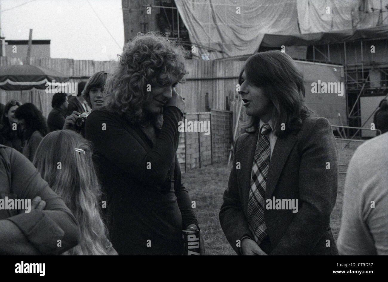 009474 - Robert Plant backstage at the Knebworth Festival in August 1979 - Stock Image