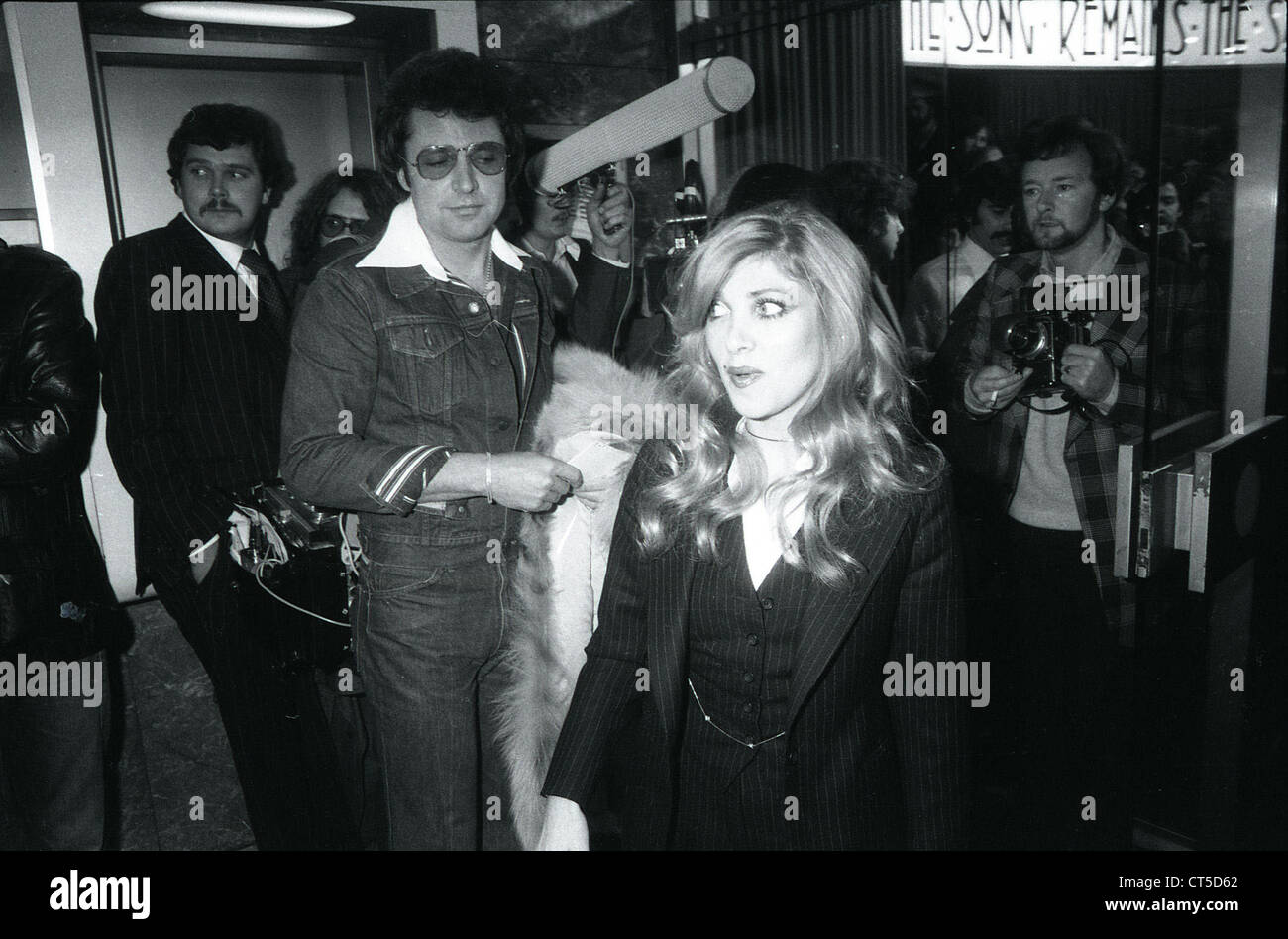 009542 - Lynsey De Paul at the UK Premiere of The Song Remains The Same at Warner West End Cinema, London on 4th Stock Photo