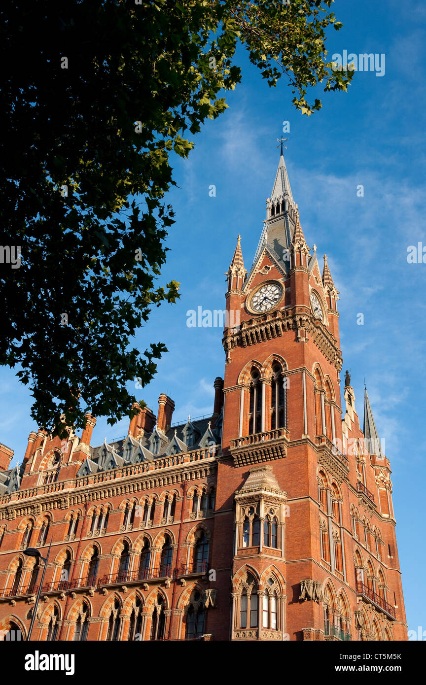 St Pancras Railway Station on a summers day in Lodnon, England. - Stock Image