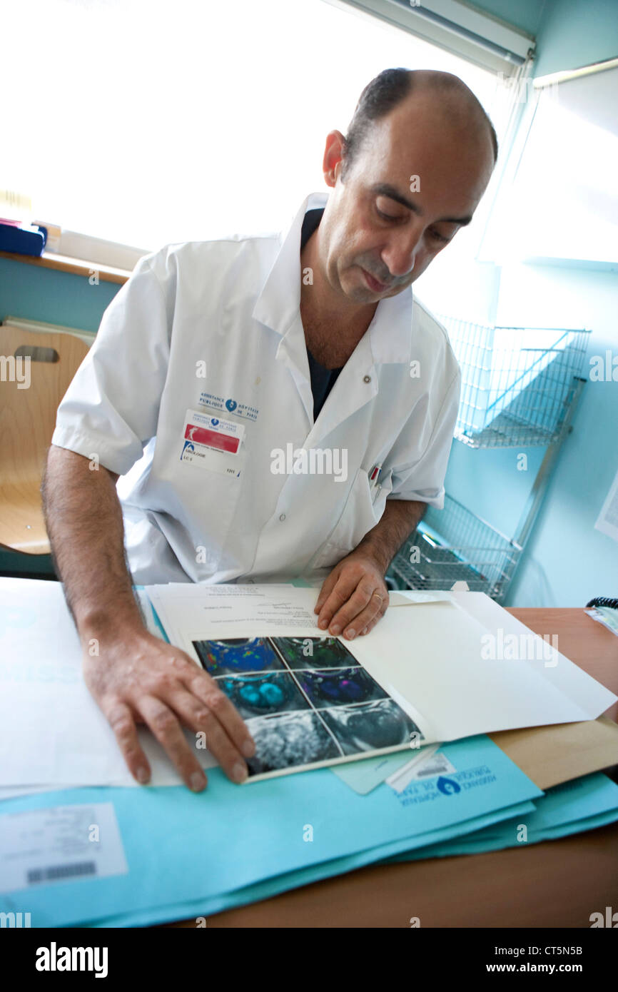 SCREENING FOR PROSTATIC CANCER - Stock Image