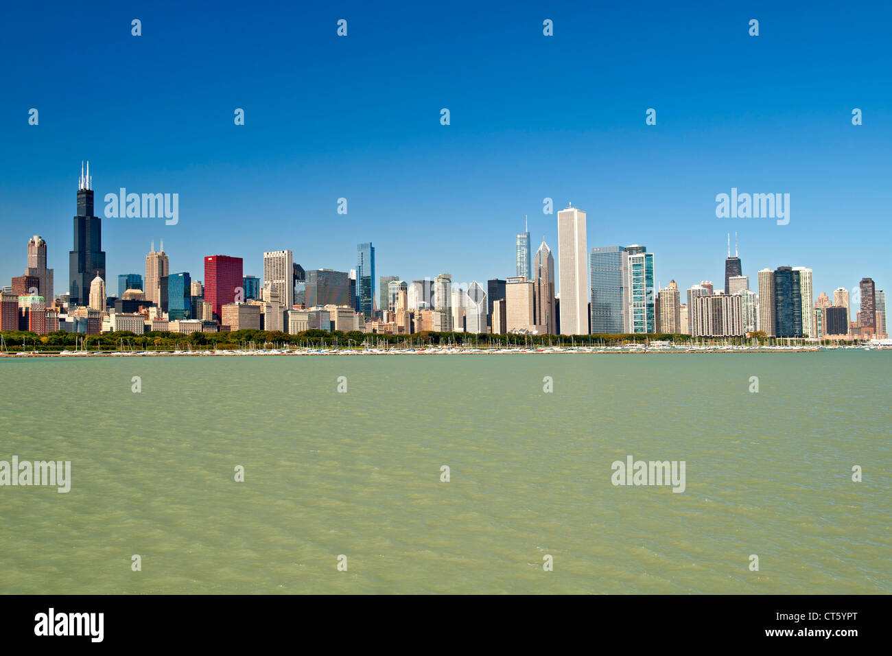 The Chicago skyline with the Chicago harbour and Lake Michigan in the foreground. - Stock Image