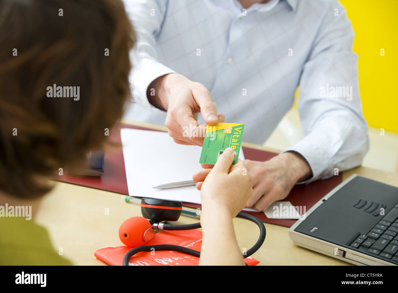NAT'L HEALTH SERVICE CARD - Stock Image