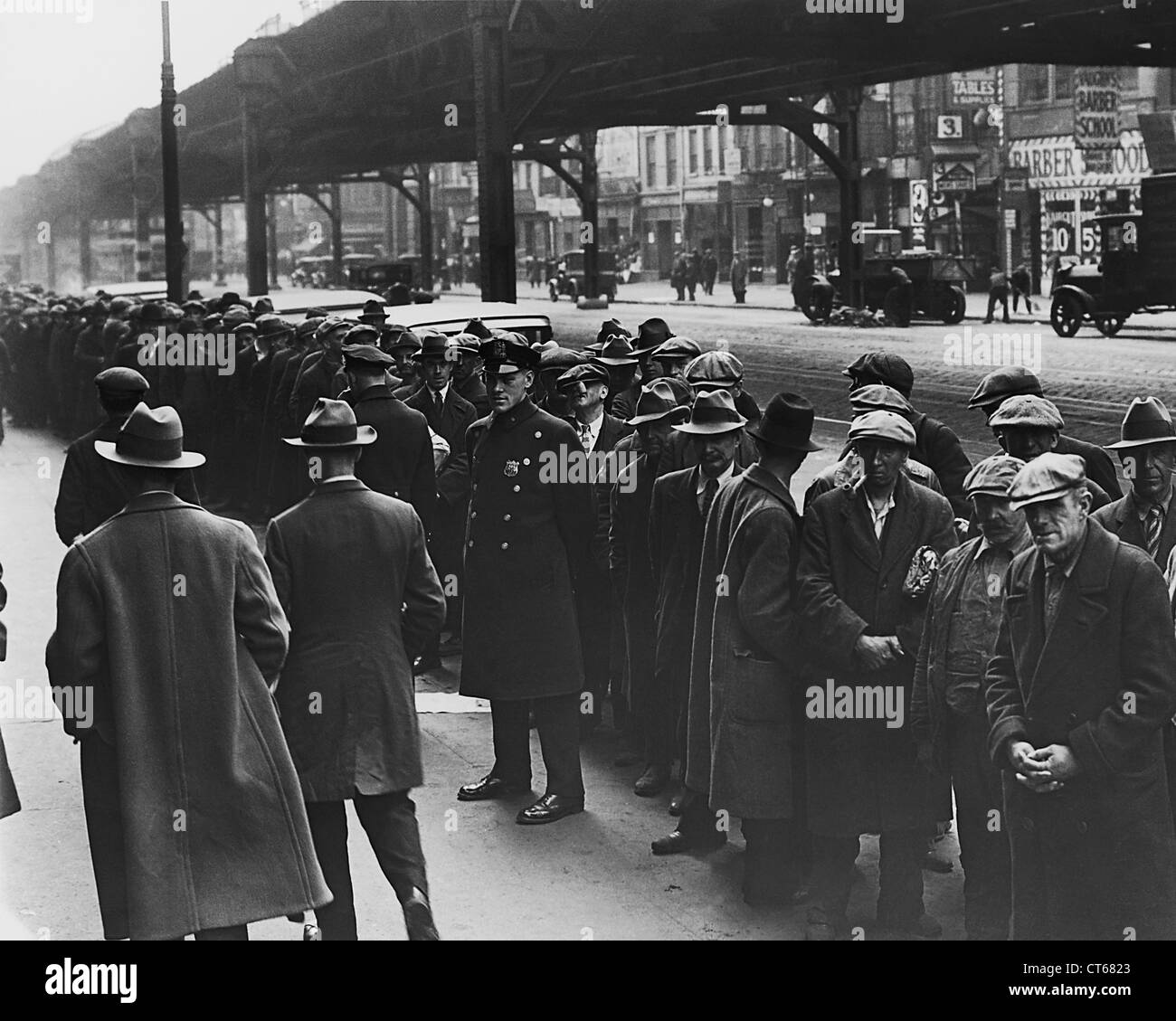 Men in bread line during depression, New York City - Stock Image