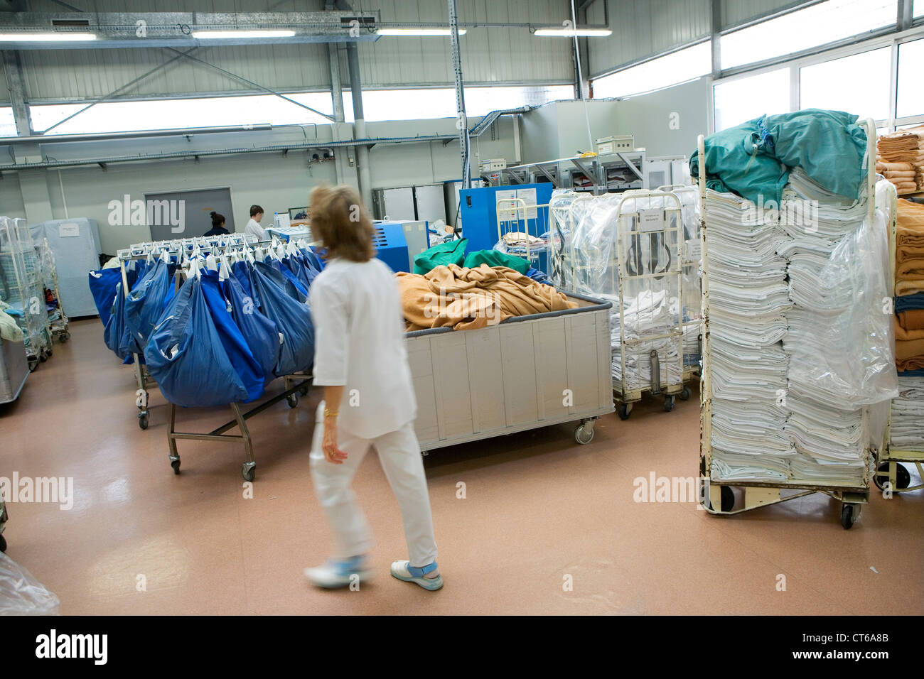 Laundry Workers Stock Photos & Laundry Workers Stock Images - Alamy