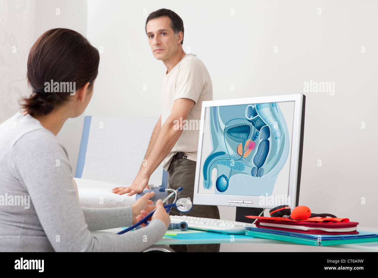 CANCER CONSULTATION MAN - Stock Image
