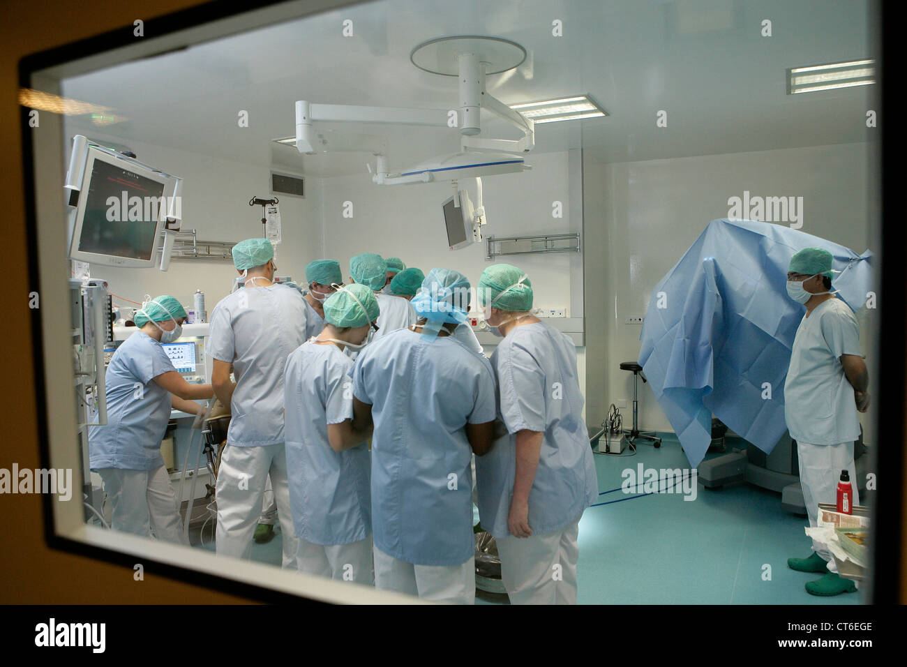 OPERATING ROOM - Stock Image