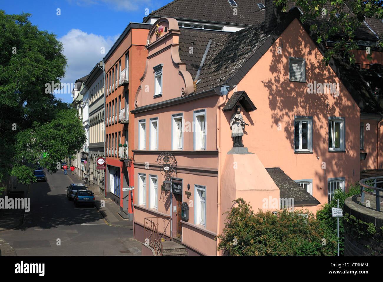 Herrschaftliche Wohnhaeuser in der Strasse Am Rheintor in Krefeld-Uerdingen, Niederrhein, Nordrhein-Westfalen - Stock Image