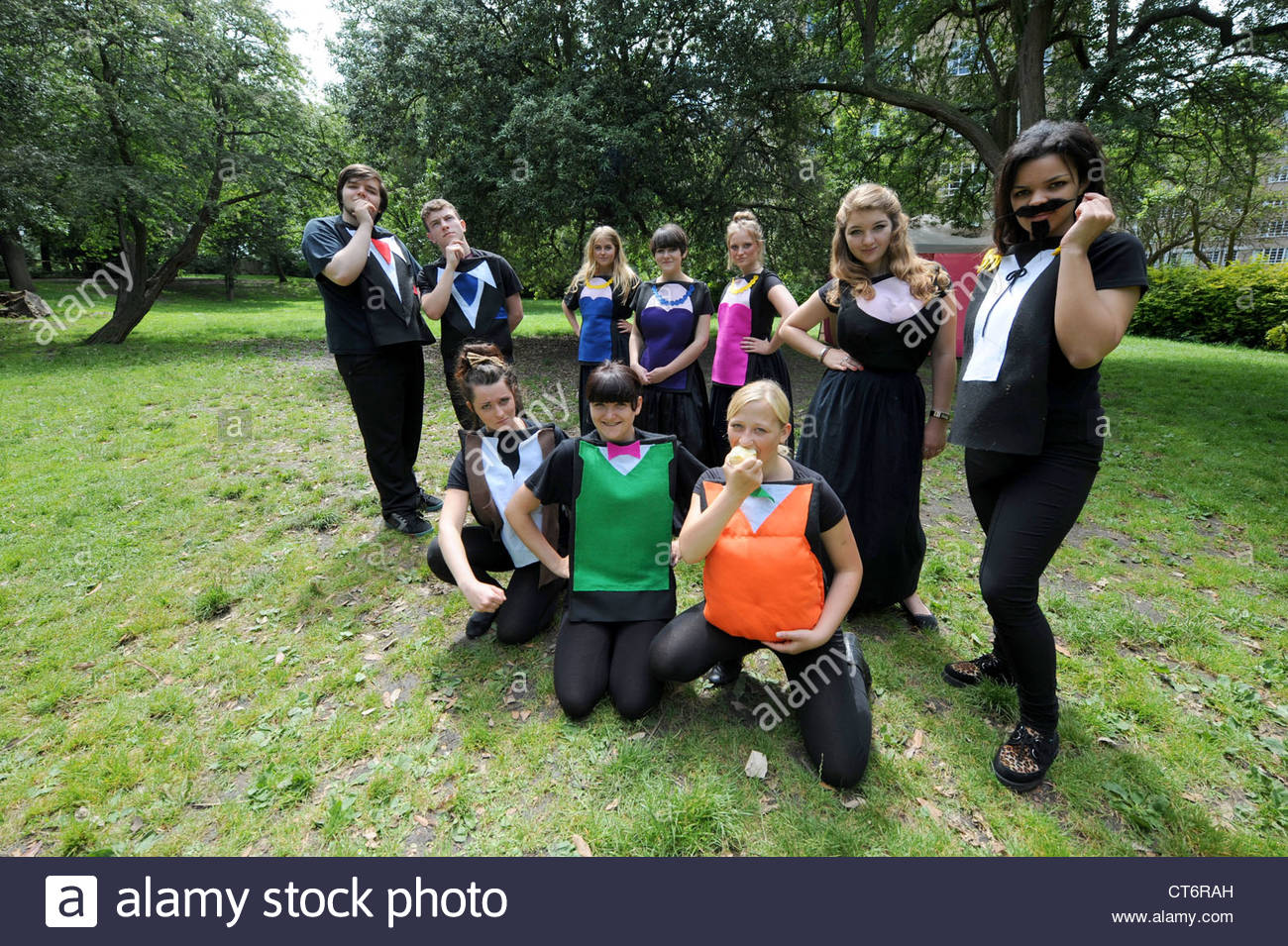 Varndean College students rehearse Shakespeare's 'Love's Labours Lost' which they are putting on - Stock Image