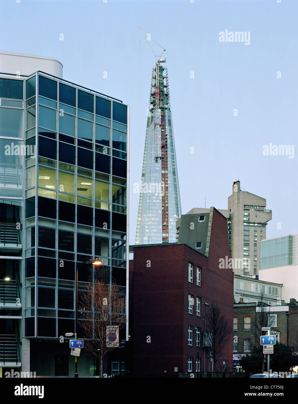 Shard, London, United Kingdom. Architect: Renzo Piano Building Workshop, 2012. Winter dusk. View from Great Dover Stock Photo