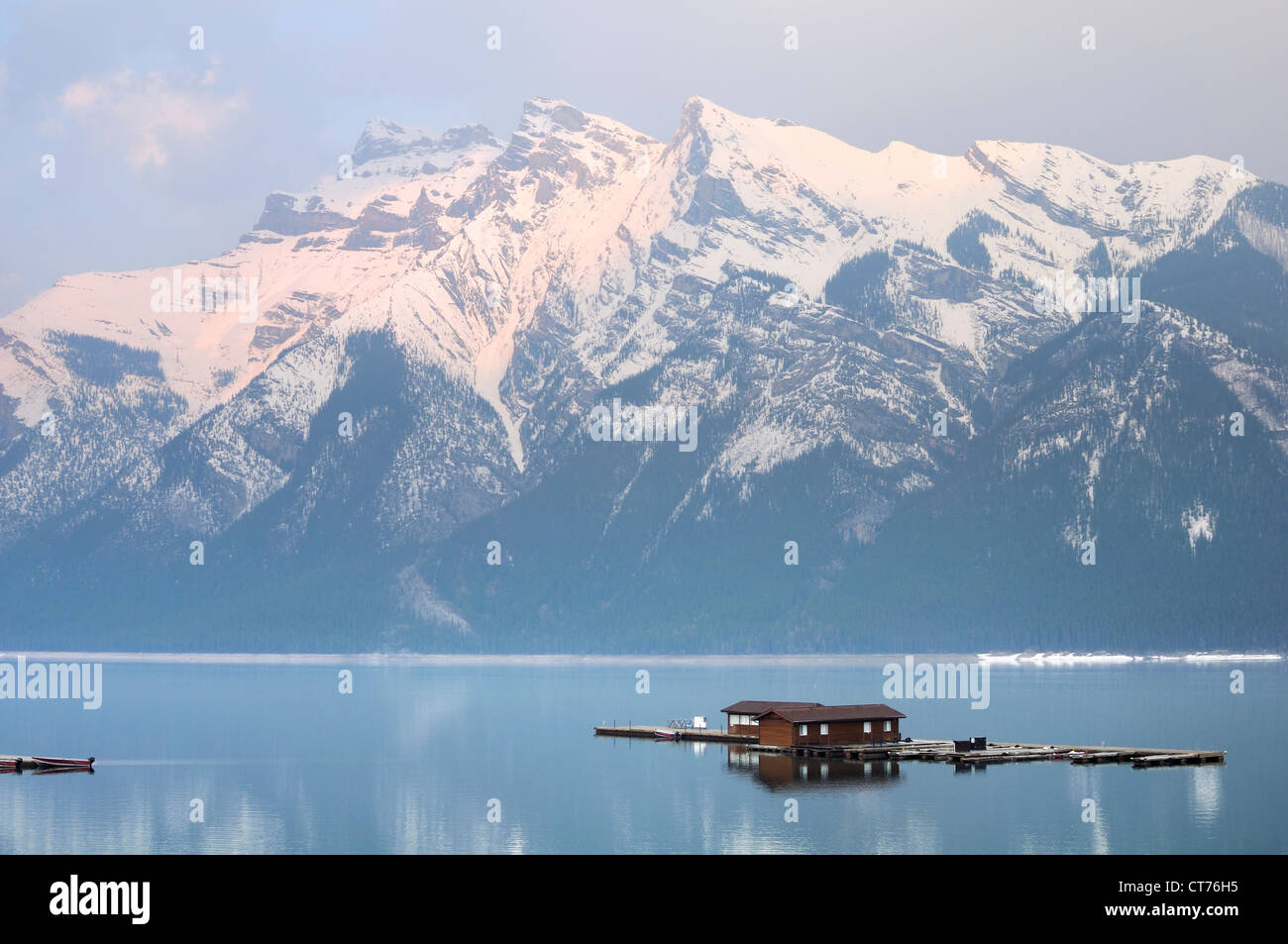 moorage at minnewanka lake - Stock Image