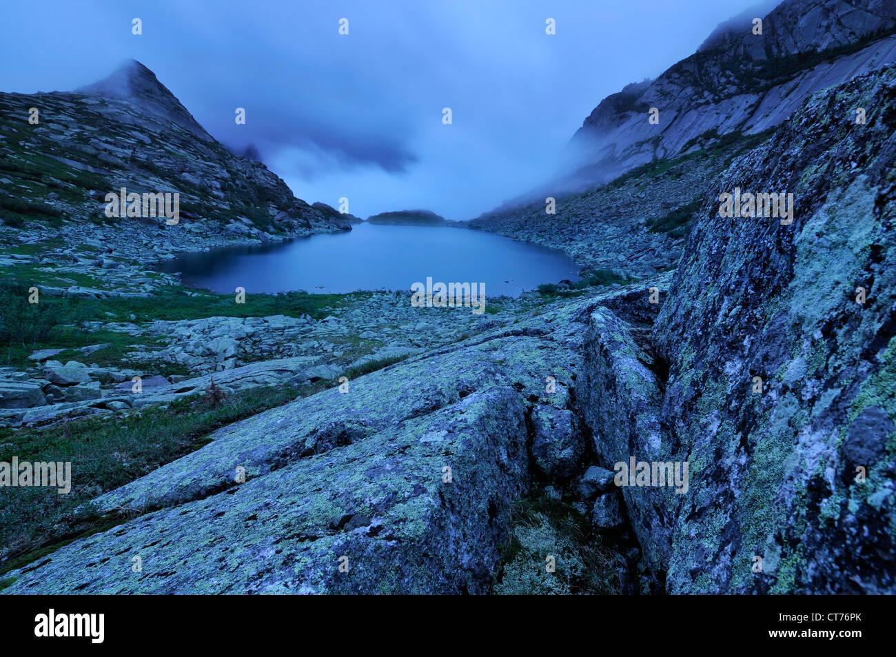 bad weather at gornykh dukhov lake at ergaki national park - Stock Image
