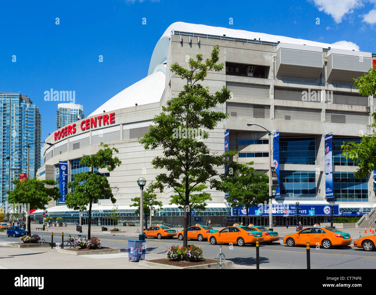 The Rogers Centre Stadium (formerly the SkyDome), Toronto, Ontario, Canada - Stock Image