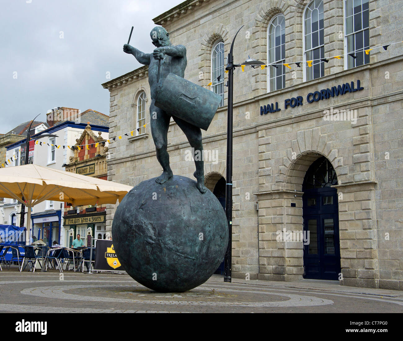 ' The Drummer ' a sculpture of bronze and cornish tin by Tim Shaw on Lemon Quay in Truro, Cornwall, England, - Stock Image