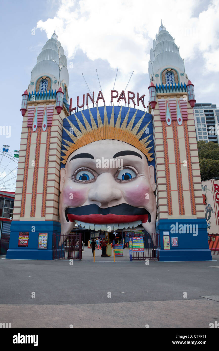 Luna park sydney stock photos luna park sydney stock for Puerta 7 luna park