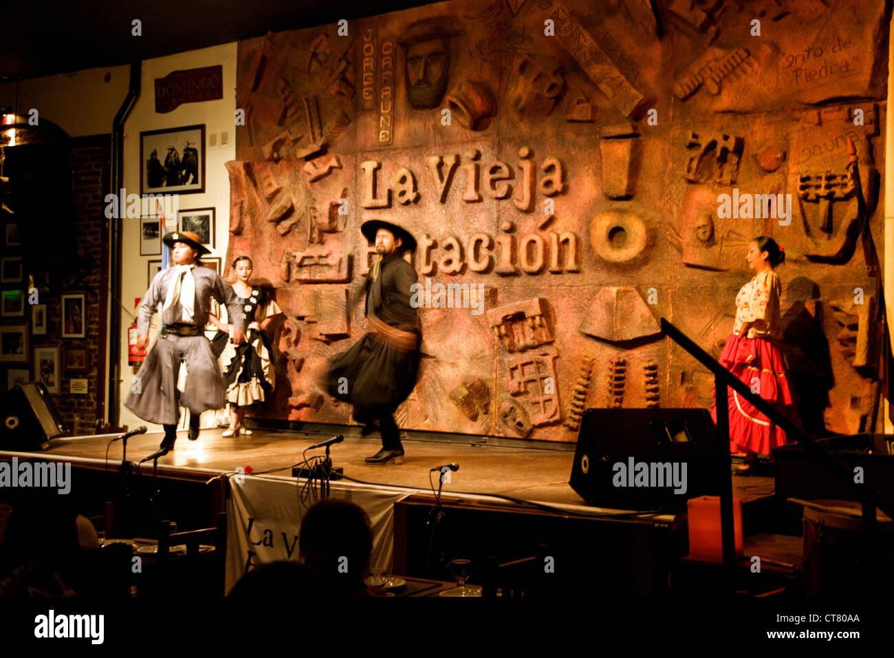 Penas or local folk music at the La Vieja Estacion - Stock Image
