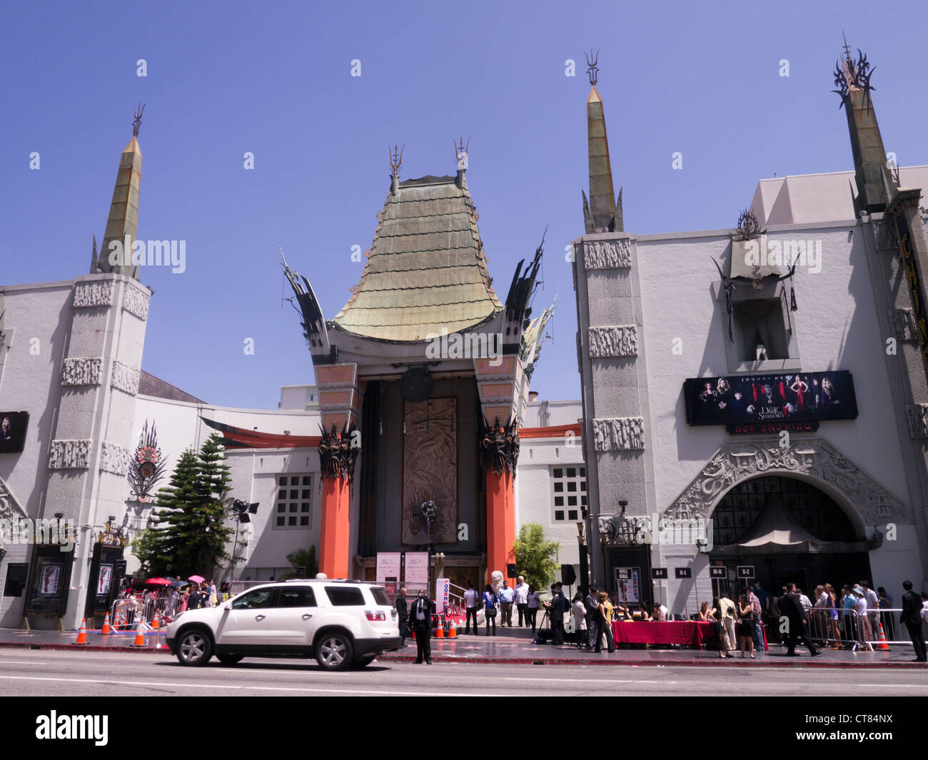 Film  premiere party at Grauman's Chinese Theatre on Hollywood boulevard, Los Angeles. - Stock Image