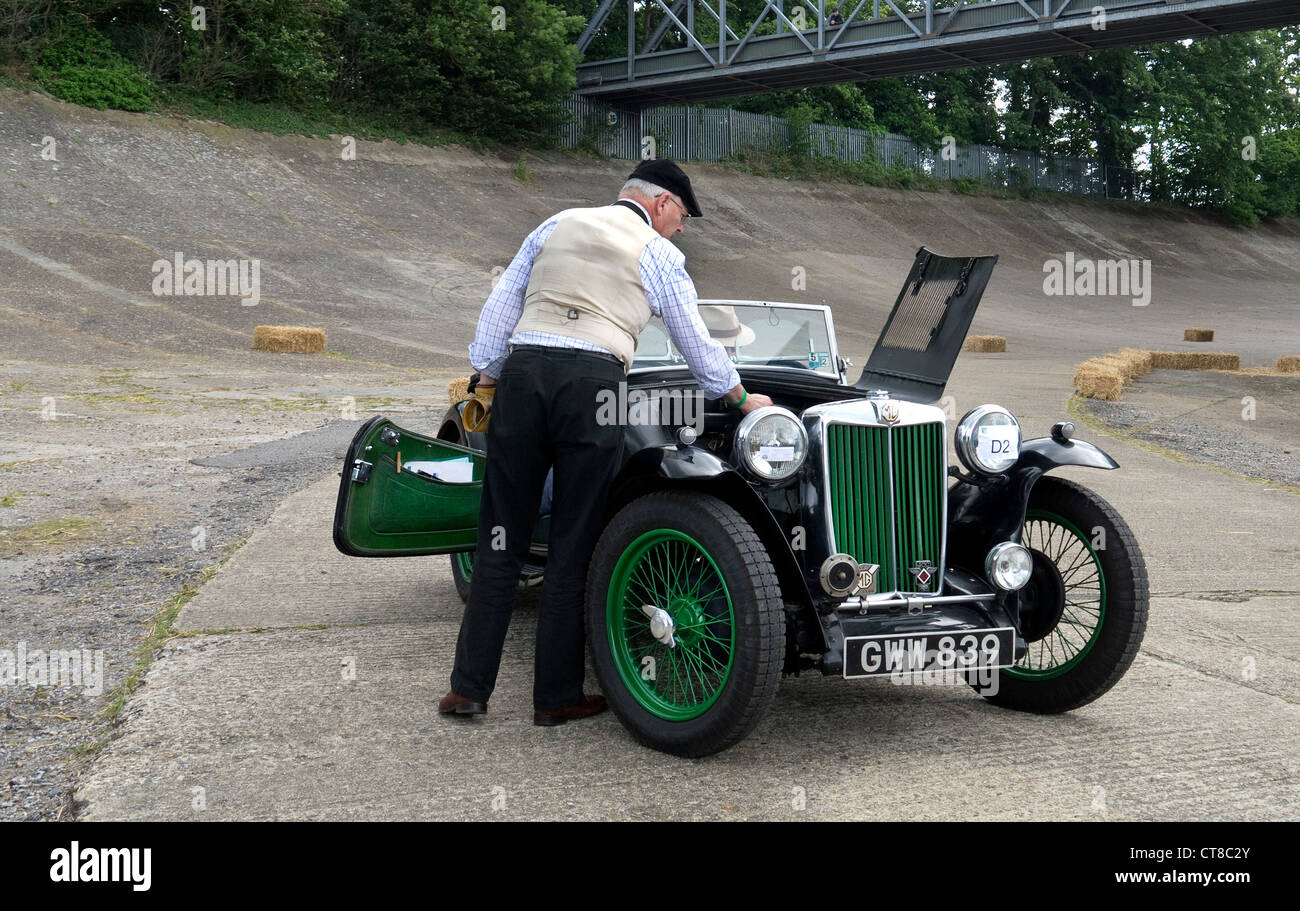 Brooklands Museum/VSCC Double Twelve 17/6/12 MG in line for Auto test. on the banking - Stock Image