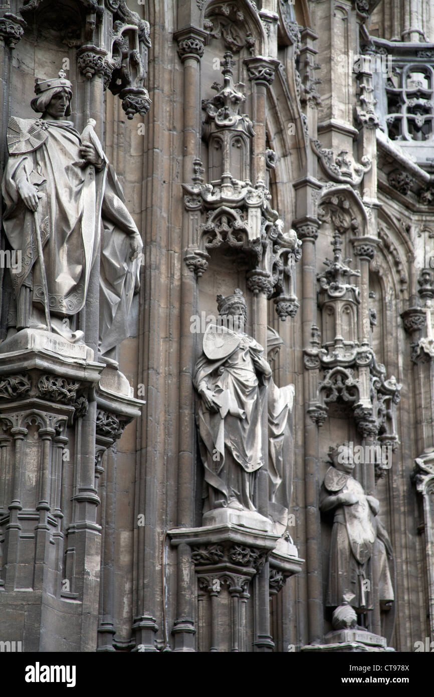 Statues of saints on one of the medieval buildings in Ghent, Belgium - Stock Image