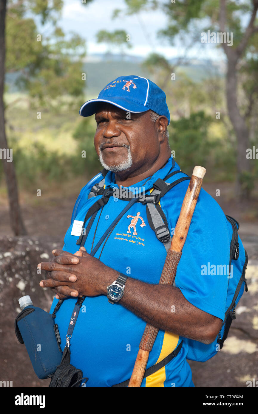 Nugal-warra elder Wilfred 'Willie' Gordon conducts bush and aboriginal cave painting tours in the surrounds - Stock Image