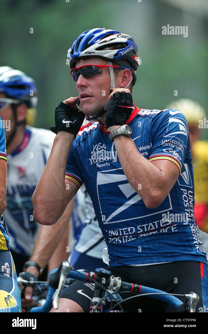 Lance Armstrong competing for the US Postal Service Team at the 2002 New  York City Cycling adc2ad5bf