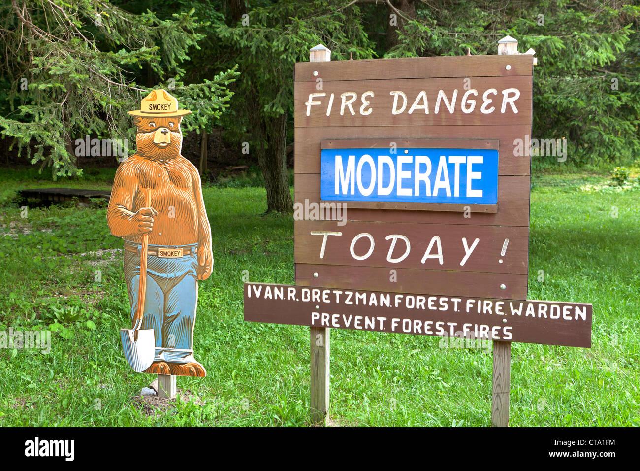 Fire danger warning sign - Stock Image