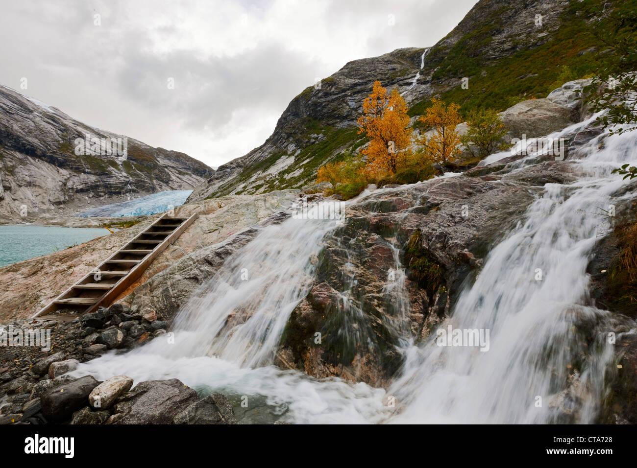 Ladder on the way to the Nigardsbreen, view of the glacier tongue, Autumn, Jostedalen, Nigardsbreen, Jostedalsbreen - Stock Image