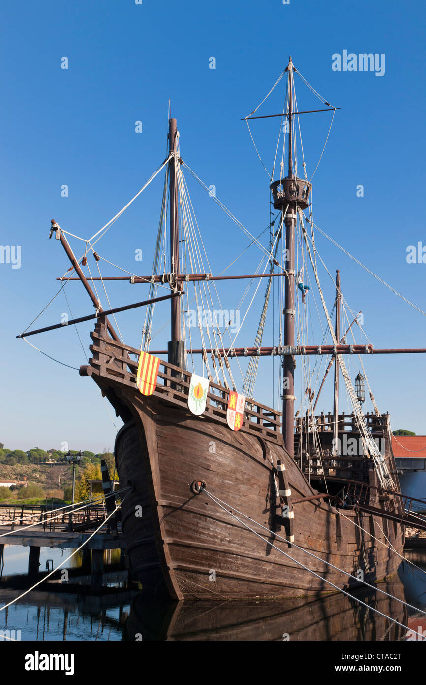 Replicas of ships Columbus sailed to the Americas in at the Wharf of the Caravels, Palos de la Frontera, Spain - Stock Image