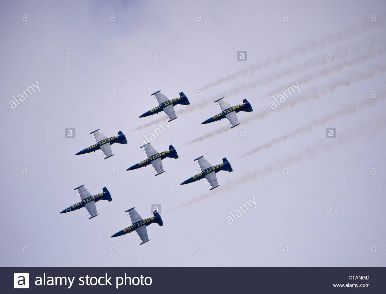 Breitling Jet Team inverted close Formation Farnborough 2012 - Stock Image