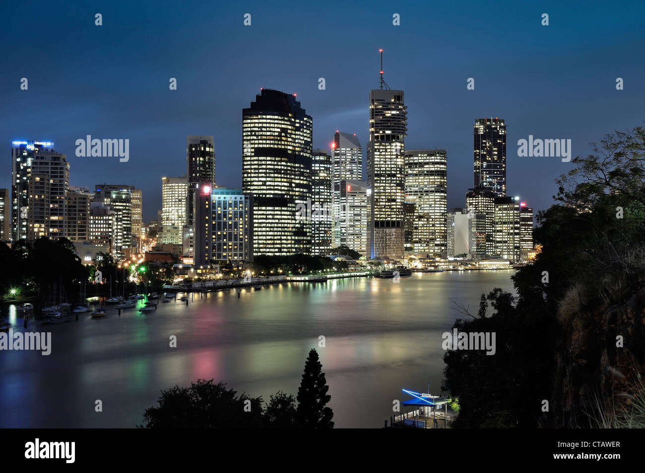 Skyline of Brisbane night, Brisbane River, Queensland, Australia - Stock Image