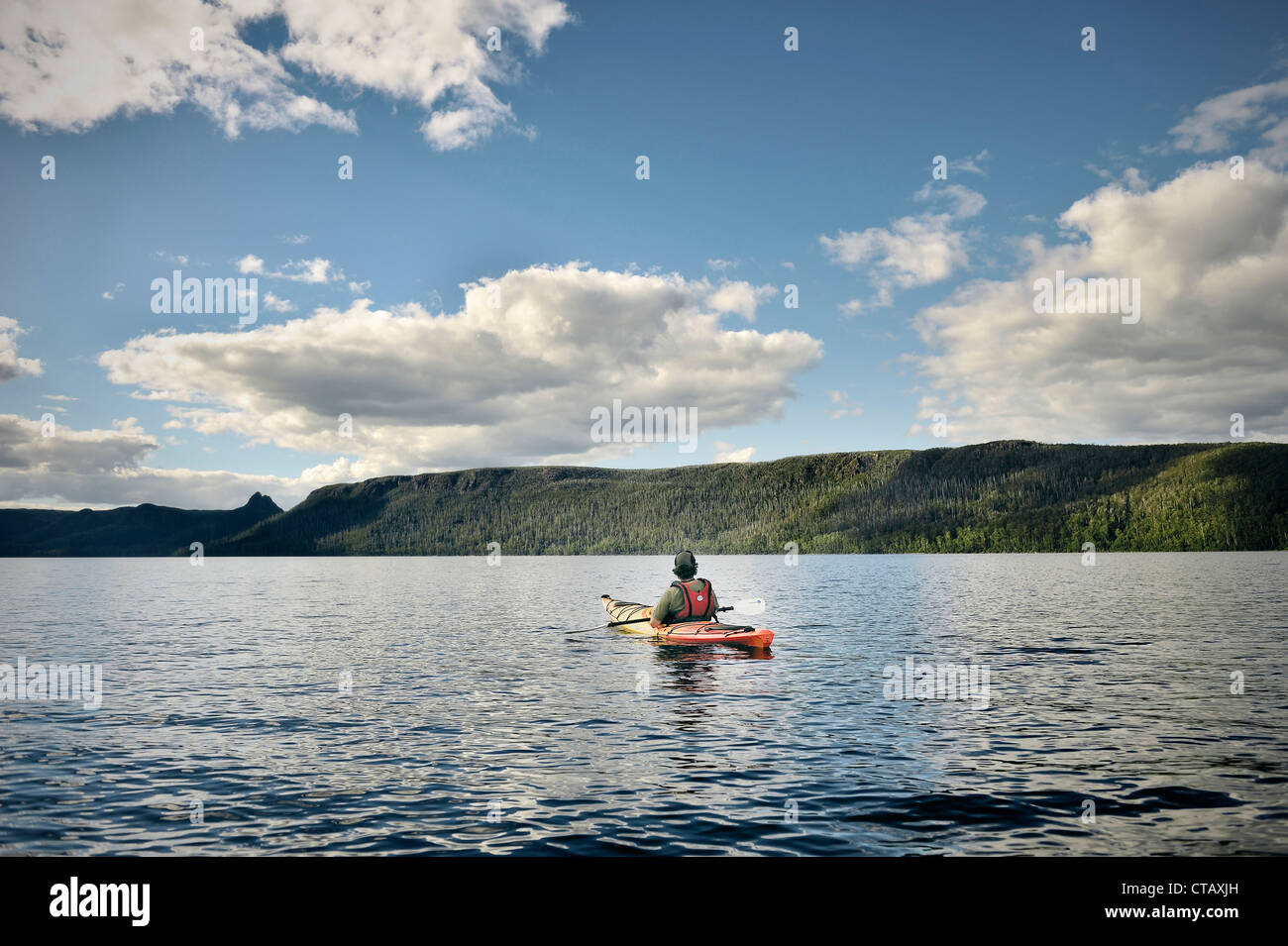 Tasmanian paddles with Kayak at Lake St Clair, Overland Track, Cradle Mountain Lake St Clair National Park, Tasmania, - Stock Image