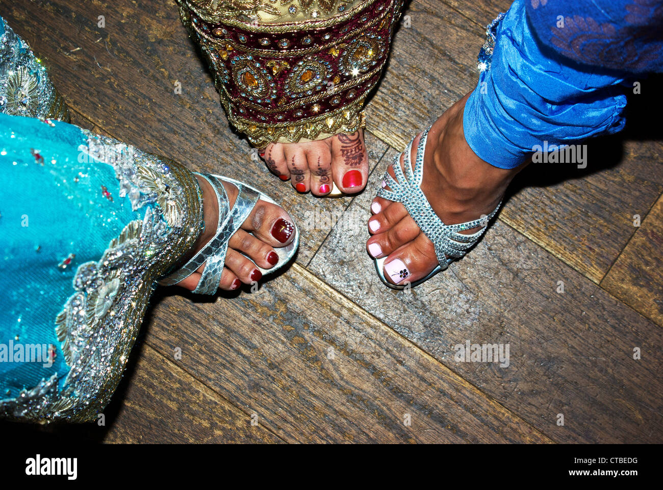 Flower Designs Painted Nail Polish Henna Dyed Foot Toes