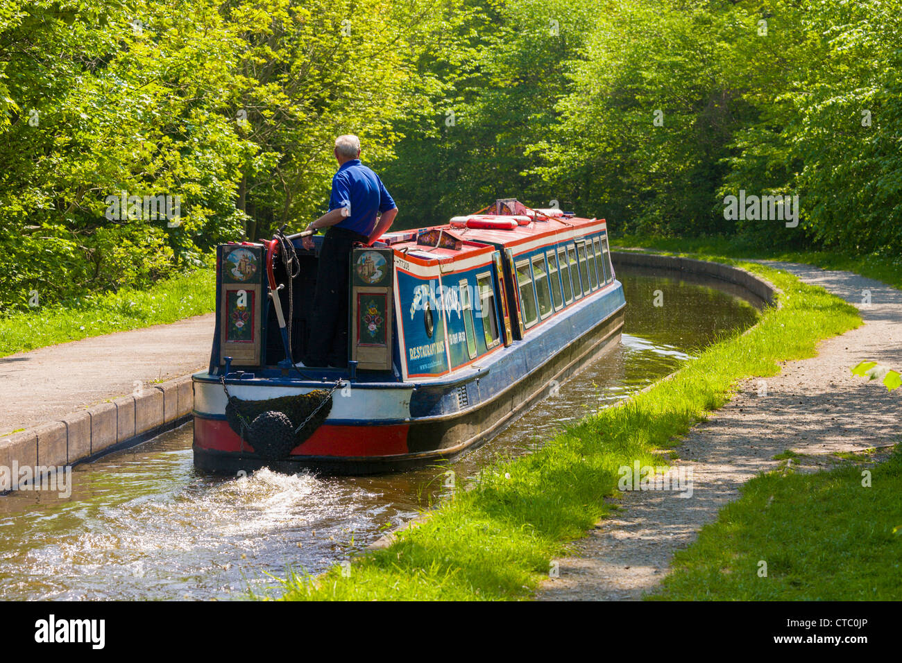 Tourists, canal boat, Trevor, Llangollen, North Wales - Stock Image