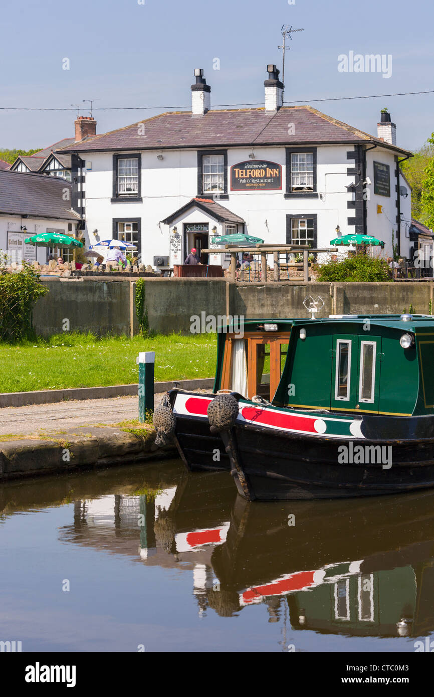 Telford Inn, Trevor Canal marina, Llangollen, Wales - Stock Image