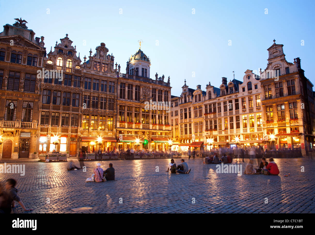 Brussels - The main square and Town hall in evening. Grote Markt. Stock Photo
